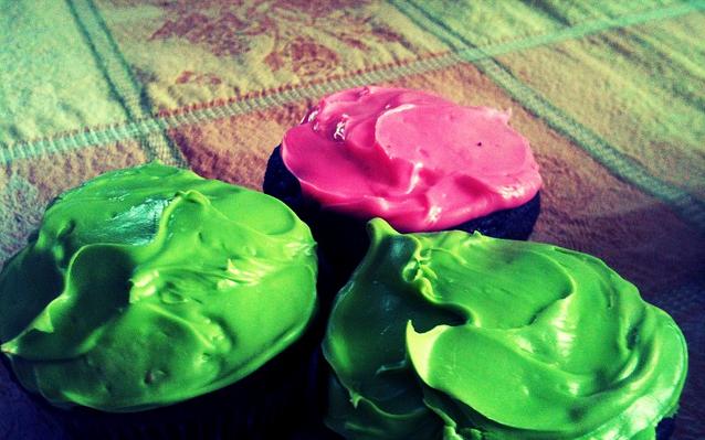 Box-Cupcake Cheat!  (1/4)