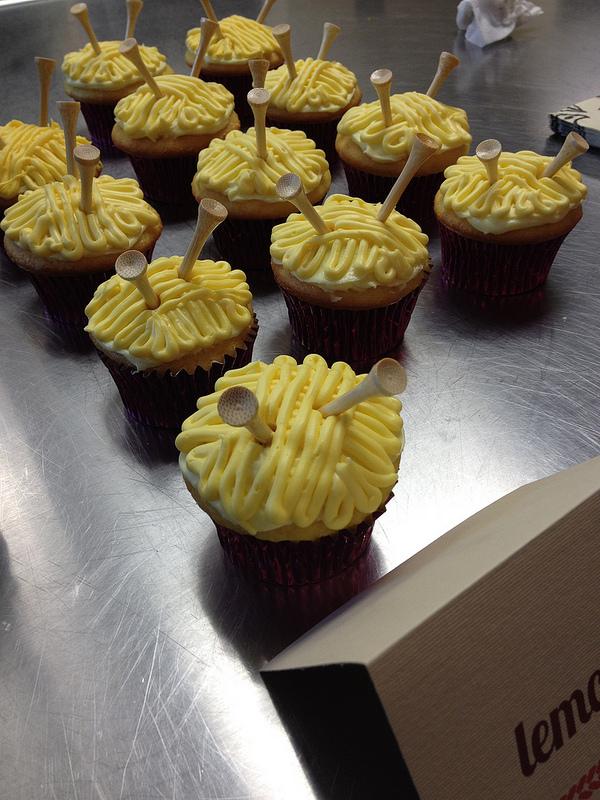 Jen's cupcakes - HOW ADORABLE.