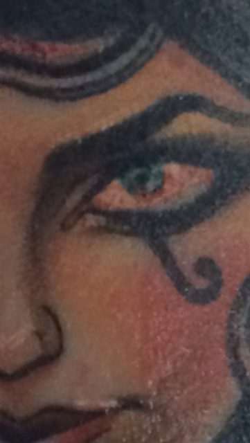Close up - that eye is INSANE! So gorgeous and so much detail.