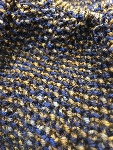 Cym's seed stitch cowl close up - FiberHound DK.
