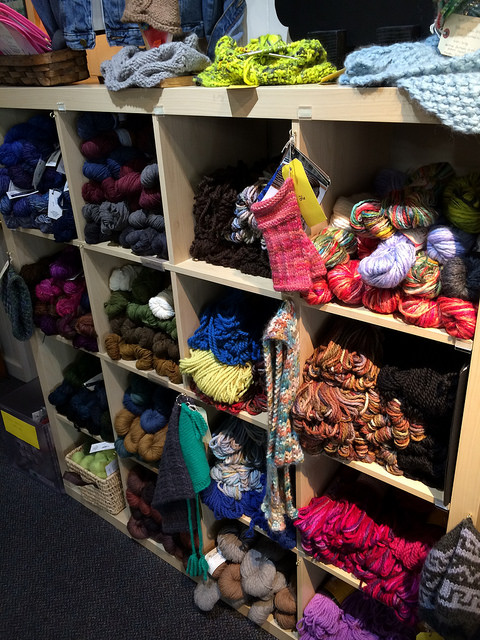 nice mixed selection of yarn / fiber types.